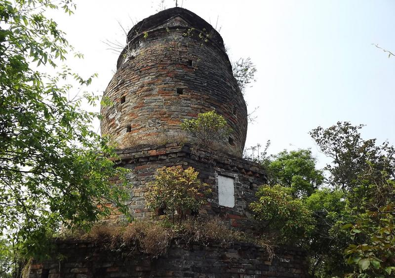 Puxian Pagoda on Eelephant Trunk Hill