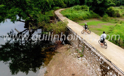 Bike along the ancient Lingqu Canal of Guilin to Xing'an, Guilin countryside bike tour