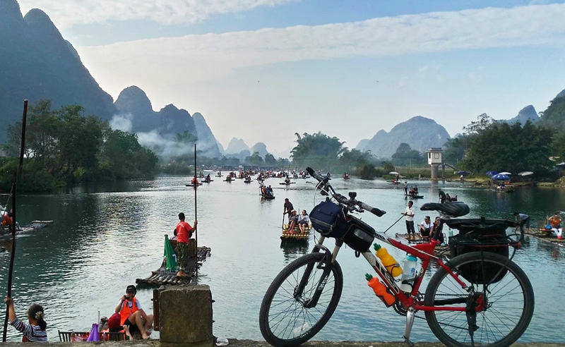 Classic cycling routes to Yulong River, China Yangshuo cycling,