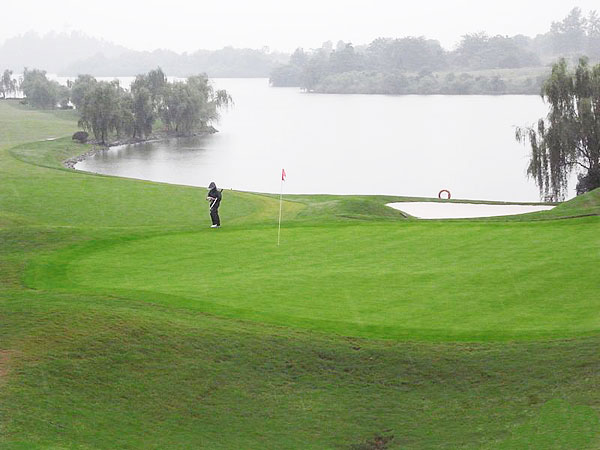 Guilin Landscape Golf Club is one of the best places to play golf