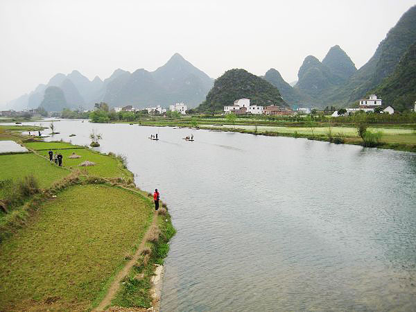 Yulong River is a fantastic hiking route in Yangshuo