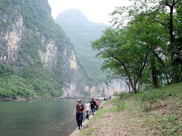 Hike along the Li River,Guilin