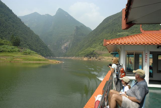 Enjoy the delightful Yangtze Cruise voyage