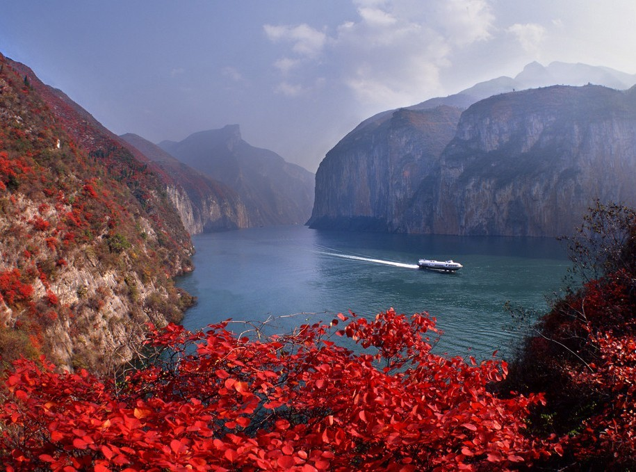 Take a cruise on China's most legendary Yangtze River