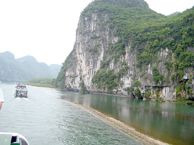 Guilin Li River Cruise Is to Offer an impressive view of the limestone hills