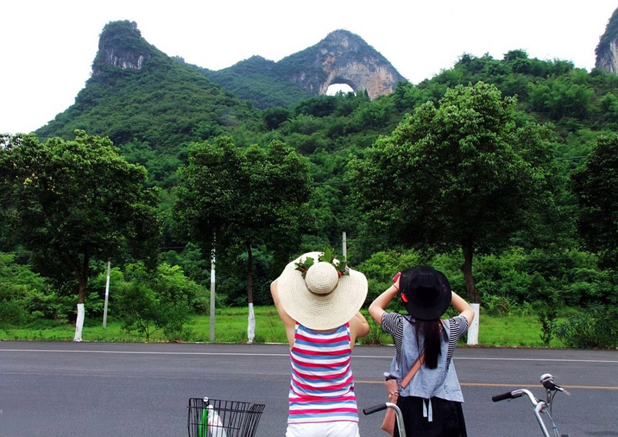 Biking for Moon Hill in Yangshuo